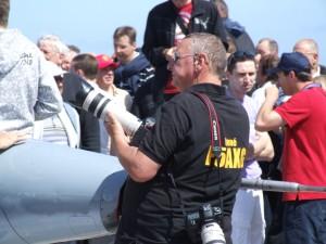 René F5AXG en action  dans une autre de ses passions la photo et l'aviation, ici lors du meeting de la patrouille de France lors de l'opération TM100B
