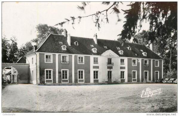Chateau de Charmeau