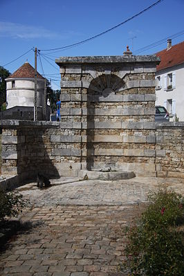 FR77_Mauperthuis_Fontaine_03