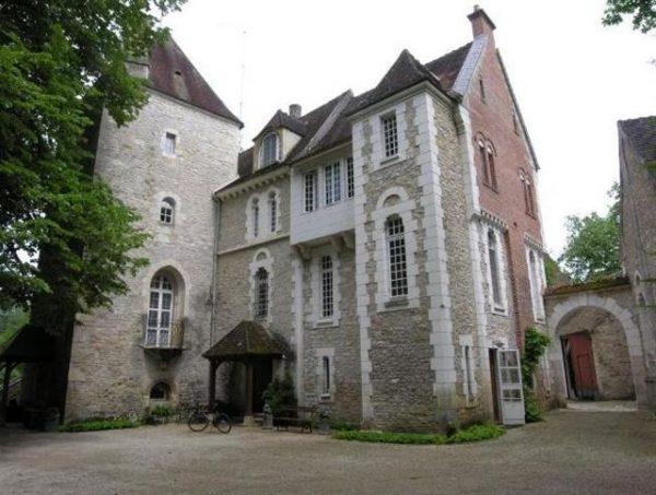 DFCF 89 230 Vieux Château de Voutenay sur Cure 001 (4)-1